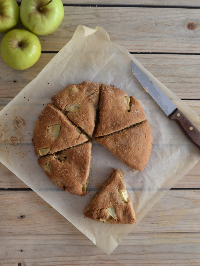 scones de maçã e aveia // apple oat scones