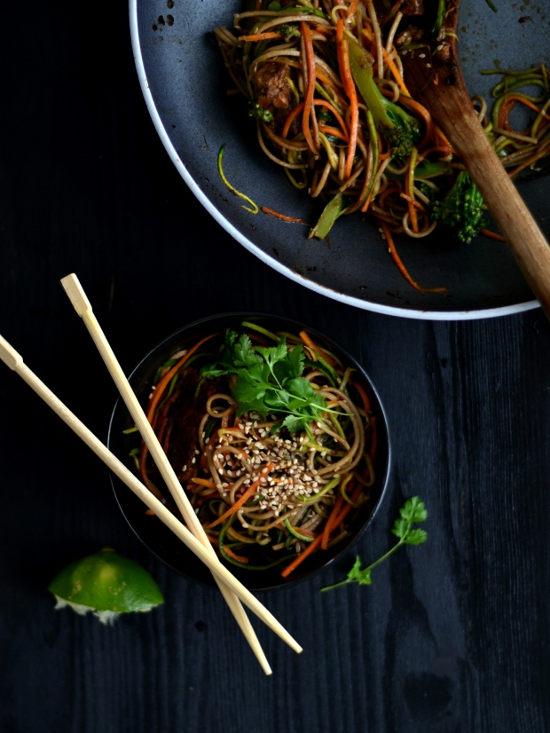 Soba noodles with tempeh and vegetables