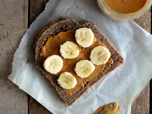 banana peanut butter sandwich - Cópia