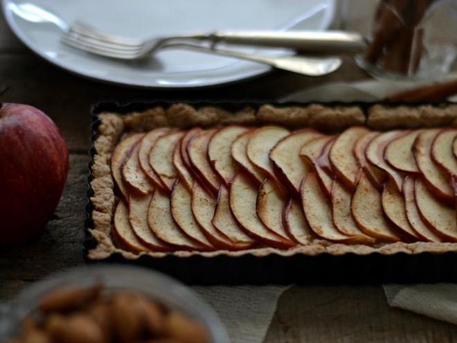apple almond tart1